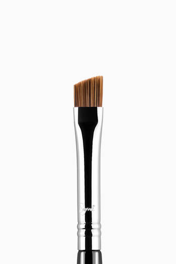 hover state of E75 Angled Brow Brush