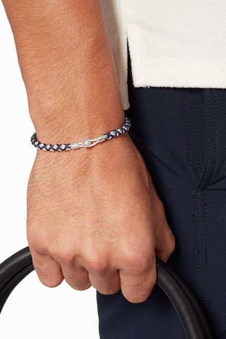 hover state of Navy Nexus Chain Bracelet