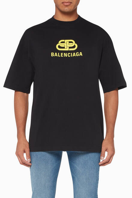 5f06fc082 Shop Balenciaga White Back Logo Crewneck T-Shirt for Men | Ounass UAE