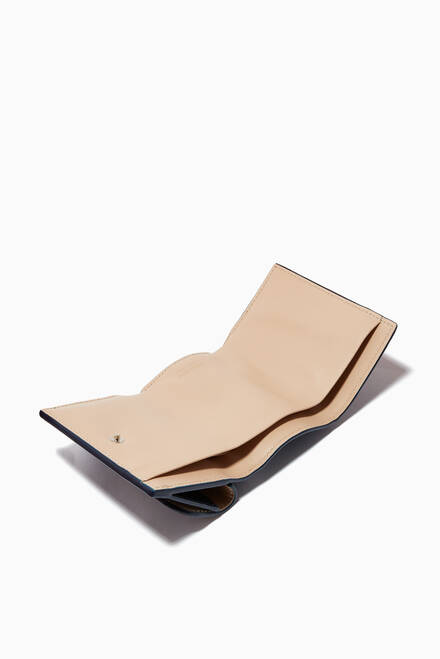 hover state of La Prima Trifold Wallet in Leather