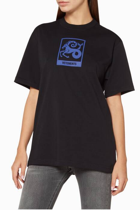 Black Capricorn Horoscope T-Shirt